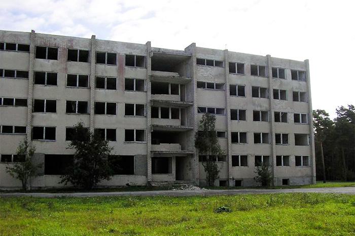 Снос общежития офицеров в пос. Эмари