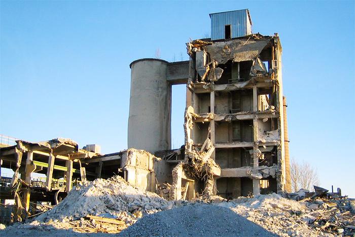 Снос производственных зданий Silikaat