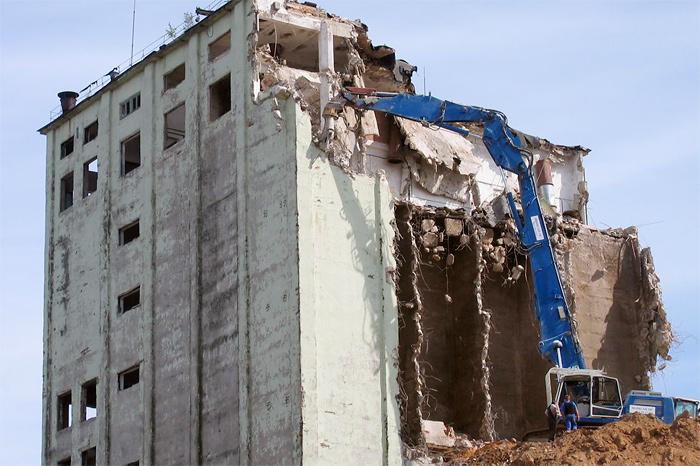 Снос зданий цеха комбикорма в г. Валга