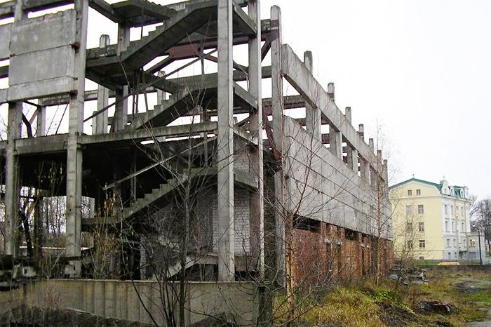 Снос производственных зданий в Таллине, на ул. Масина, 7