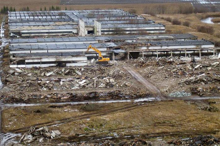 Снос бывшего комбината свинины в г. Сауга